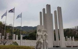 제 60주년 4.19혁명 기념 특별사진전 4월24일(금)까지 Ⓒ박세호