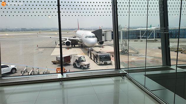 코로나19가 다시 고개를 들고 있어 공항 이용 시 안전관리에 각별히 신경썼다.