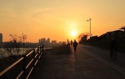 인적이 드물고 아름다운 풍광이 돋보이는 한강산책로 광진-청담 구간