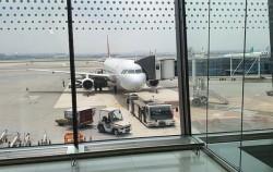 코로나19 속 김포국제공항을 이용해야 한다면 안전관리에 각별히 신경을 쓰자.