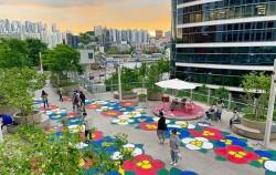 서울로7017이 3주년을 맞아 다채로운 이벤트, 전시를 진행 중이다
