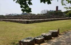 서울시 석촌동의 제 3고분은 4-5세기 백제 왕릉이다