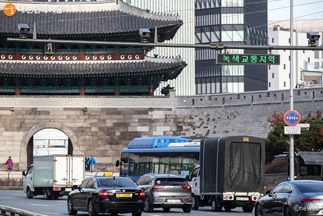서울시가 7월 1일부터 녹색교통지역 저공해 미조치 차량 단속을 시행한다