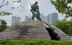 전쟁기념관 형제의 상