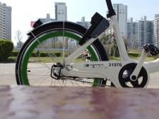 따릉이는 서울 시민의 생활밀착형 자전거로 편리성이 증대되고 있다
