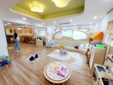 서울시 열린 육아방의 롤모델인 중랑구 공동육아방을 찾아 유기정 센터장과 인터뷰를 진행했다