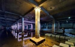 지난 1일, 서울시가 '서울은 미술관' 프로젝트 일환으로 홍제천 유진상가 지하 공간을 '홍제유연'이라는 예술 공간으로 탈바꿈했다.