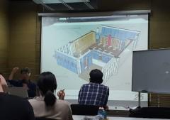 공간전환학교 프로그램에 참여 중인 시민들