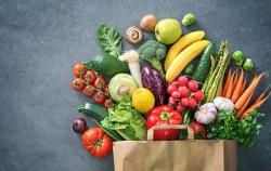 서울시는 지역 농가를 돕기 위해 CJ올리브네트웍스와 협업을 이루어 생방송으로 농산물 판매를 진행한다