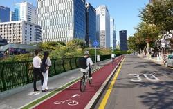 서울시는 청계광장~고산자교 왕복 11.88㎞ 구간에 자전거전용도로를 조성할 계획이다