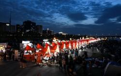 2019년도 여의도한강공원 물빛광장에서 열린 '서울밤도깨비야시장', 올해는 온라인으로 만날 수 있다