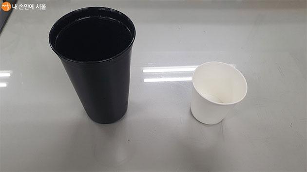 무심코 사용한 1회용 종이컵 대신 텀블러 사용을 실천하고 있다.