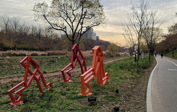 양재천 야외 조각 전시회, 걸으면서 감상해봐요
