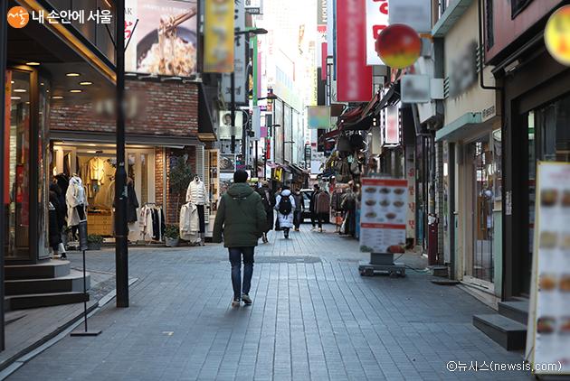 서울시가 집합·영업제한업종 소상공인을 위한 긴급 지원방안을 12월 23일 추가로 발표했다