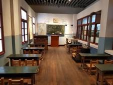 학교100년의 역사의 흐름을 담은 전시실