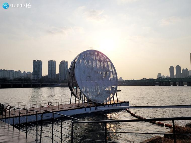 공공미술 작품 '달빛노들'