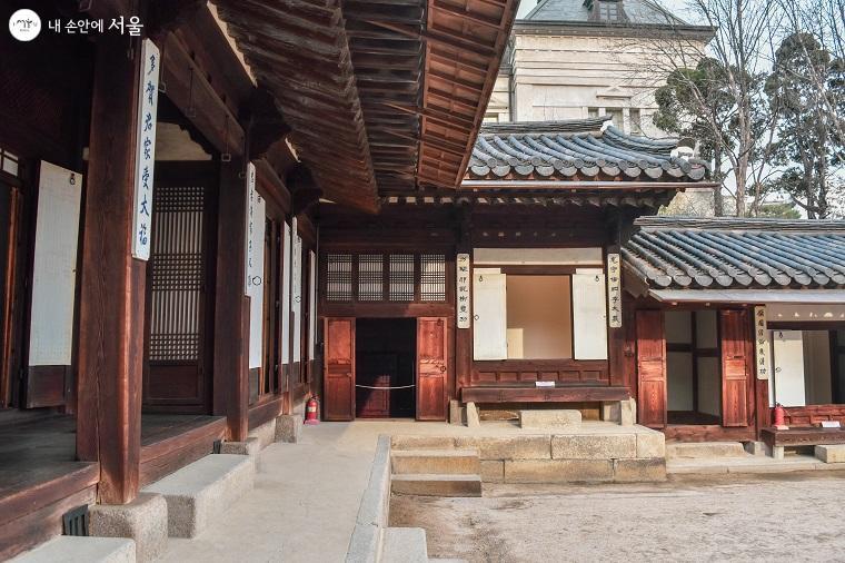 ?운현궁에서 가장 중심이 되는 건물인 노락당
