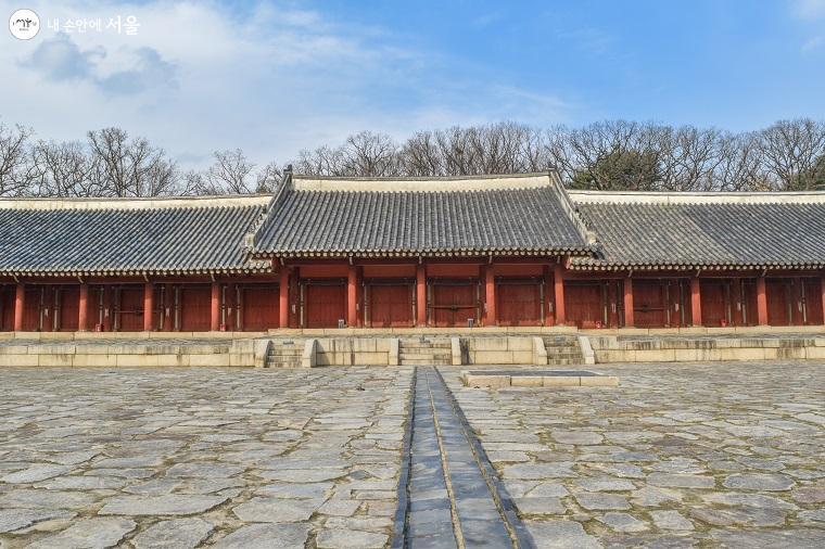 ?조선시대 역대 임금과 왕비의 위패를 모시는 사당인 종묘 영녕전