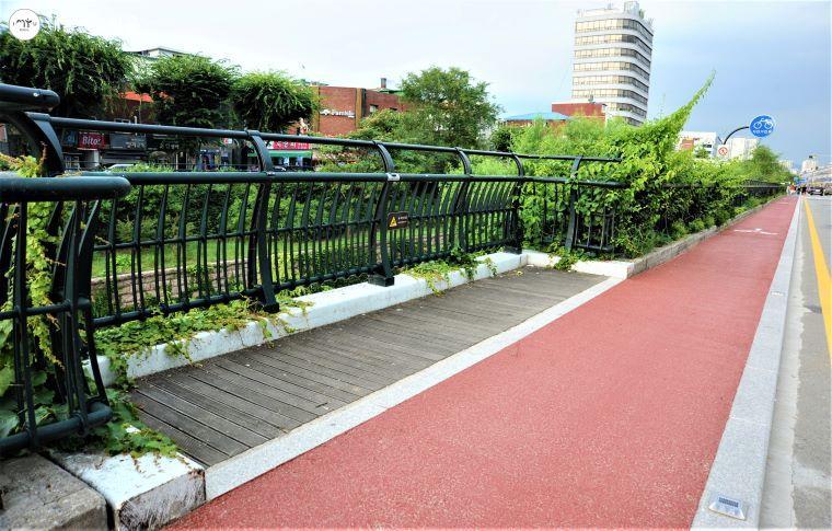 자전거 전용도로에는 군데군데 안전한 쉼터가 마련돼 있다.
