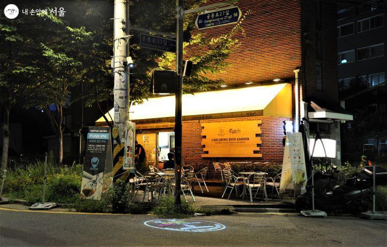 '경춘선숲길' 곳곳에는 이국적인 카페들이 있어 멋을 더한다 ⓒ조수봉